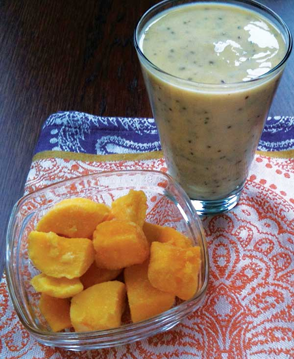 Mango & Coconut Chia Smoothie