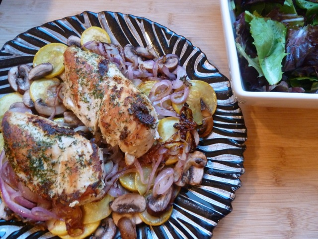 Chicken with mushroom, zucchini and red onions.